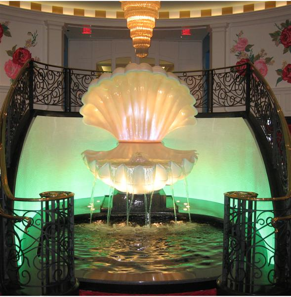 The Greenbrier Resort West Virginia fountain with reflection pool 9